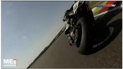 moto penchee.jpg