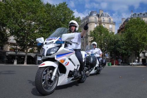 police paris moto.jpg