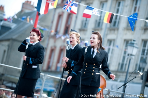 D-Day-Festival-2013-Carentan-Concert-The-Three-Belles-©-Virginie-MEIGNE-4.jpg