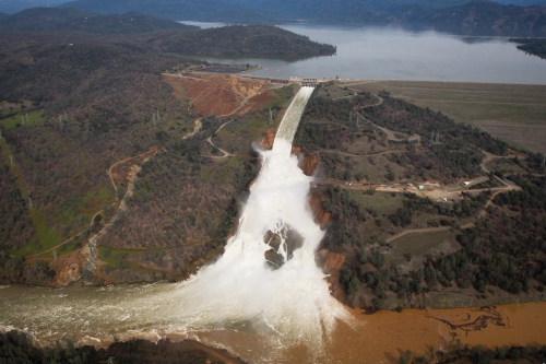 la-me-lake-oroville-spillway-pictures-052 4000.jpg
