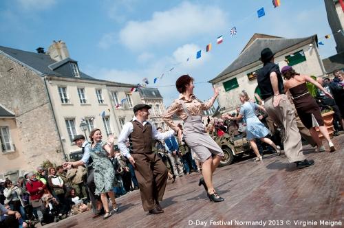 D-Day-Festival-2013-Carentan-Concert-The-Three-Belles-©-Virginie-MEIGNE-21.jpg